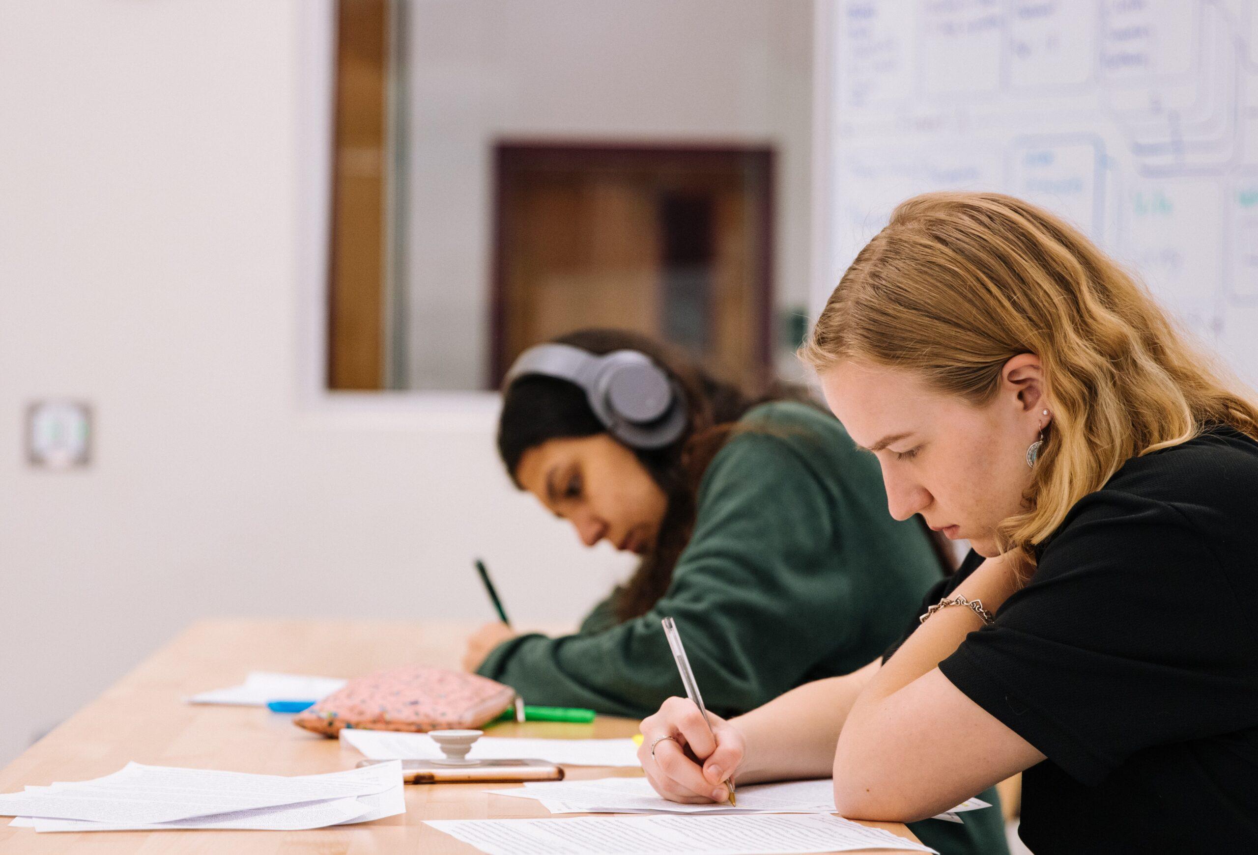 FvOv: zorgen over heropenen middelbare scholen